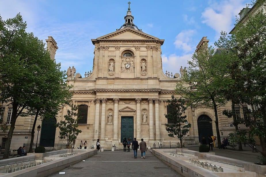 بررسی دانشگاه های پاریس