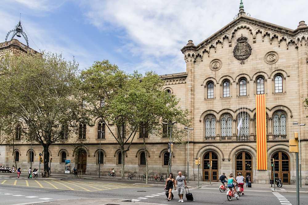دانشگاه های بارسلونا