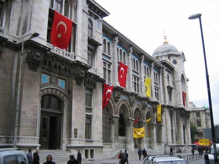 درآمد مشاغل برای زندگی در باکو بهتر است یا استانبول