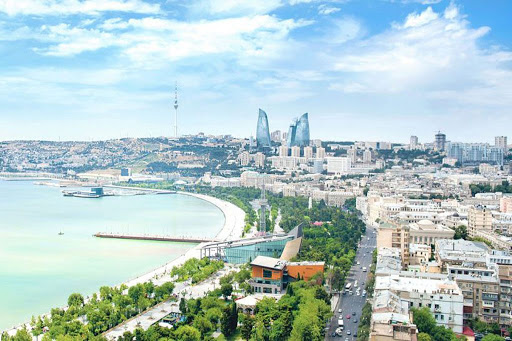 دلایل زندگی در باکو