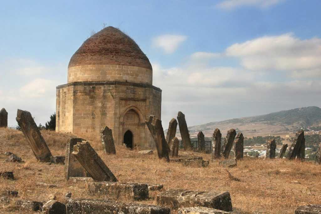 قیمت خرید خانه و آپارتمان در آذربایجان